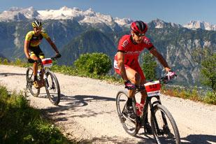 Christoph Soukup (AUT) und Jiří Novák (CZE) - 1. und 2. Platz UCI Mountain Bike Marathon Series Bad Goisern 2015 (Foto: sportograf.de)
