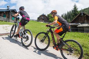 eMTB-Tour zur Hütteneckalm (Foto: Haiko Mandl, KTM)