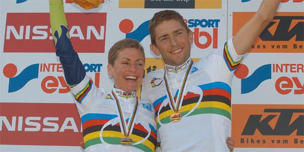 Gunn Rita Dahle (NOR) und Massimo de Bertolis - 2004 UCI Mountain Bike Marathon World Champions - (Foto: Armin Küstenbrück - Salzkammergut Trophy)