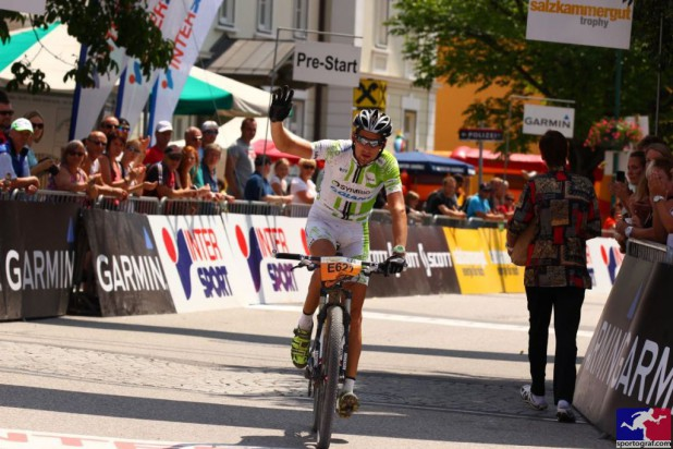 Uwe Hochenwarter (AUT) - Sieger Salzkammergut Trophy 2013 - Strecke D (Foto: sportograf.de)
