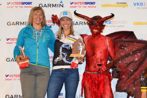 Siegerinnen Regionswertung Salzkammergut Trophy 2017 - Irina und Anita Krenn (Foto: Joachim Gamsjäger)