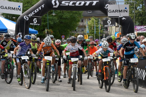 Salzkammergut Mountainbike Trophy - SCOTT Junior Trophy Start (Foto: Rudi Knoll)