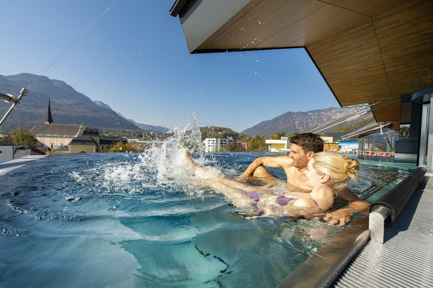 Hotel Royal****S Bad Ischl - Sky Lounge mit Infinity Pool (Foto: Rupert Mühlbacher)