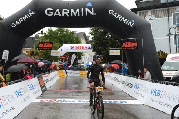 Alexander Brus gewinnt die E-Strecke (Foto: Joachim Gamsjäger)