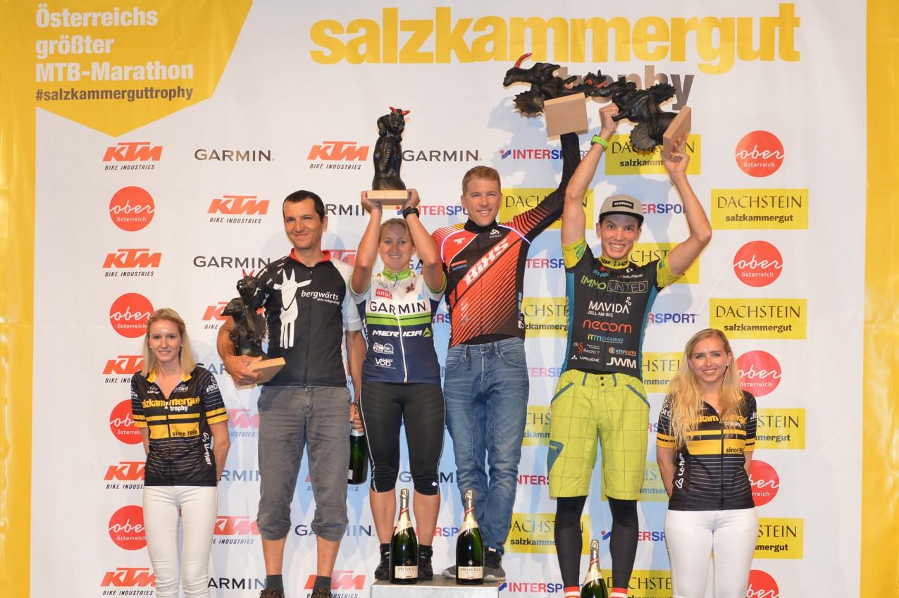 Martin Ludwiczek (2. Platz), Katharina Fiala (1. Platz), Konny Looser (1. Platz) und Lukas Kaufmann (3. Platz) - Sieger Salzkammergut Trophy 2019 - Strecke A (Foto: Joachim Gamsjäger)