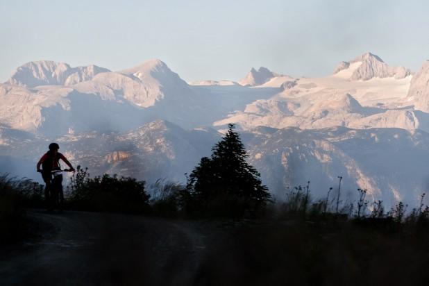 Salzkammergut Mountainbike Trophy - Blick auf das Dachsteinmassiv (Foto: Erwin Haiden)
