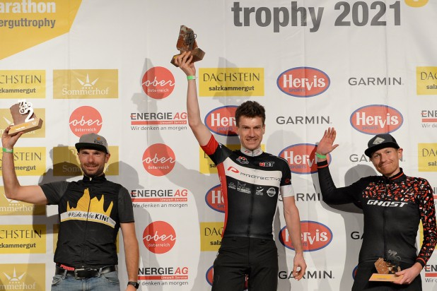 Andreas Huber (2. Platz), Julius Wagner (1. Platz) und Benjamin Michael (3. Platz) – Sieger Salzkammergut Trophy 2021 - Strecke C (Foto: Joachim Gamsjäger)
