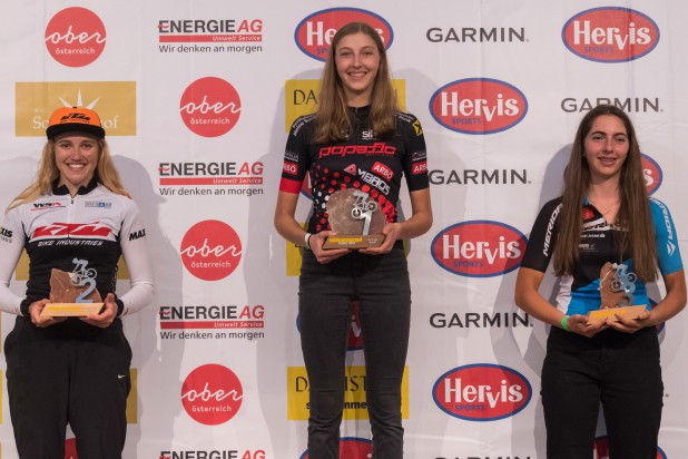 Katharina Sadnik (2. Platz), Clara Sommer (1. Platz) und Viktoria Gratzer (3. Platz) – Sieger Salzkammergut Trophy 2021 - Strecke F (Foto: Marc Schwarz)